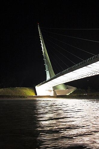 Sundial Bridge at Turtle Bay - Sundial Bridge at night