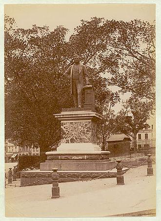 Thomas Sutcliffe Mort - T S Mort's Statue, Macquarie Place, Sydney photographed about 1900–1910