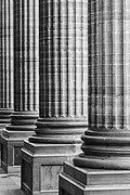 Teatro juarez columns guanajuato.jpg