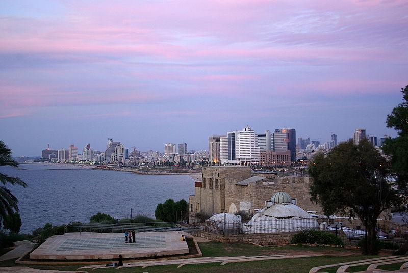 Súbor:Tel Aviv BW 1.JPG