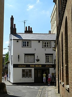 The Bear, Oxford - geograph.org.uk - 1329707.jpg