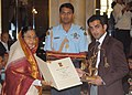 The President, Smt. Pratibha Devisingh Patil presenting the Arjuna Award-2009 to Shri Gautam Gambhir for Cricket, in a glittering ceremony, at Rashtrapati Bhawan, in New Delhi on August 29, 2009.jpg
