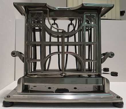 Early 20th century electric toaster Toaster, Universal, Model E947, c. 1915, Landers, Frary and Clark, New Britain, Connecticut, Wolfsonian-FIU Museum.JPG