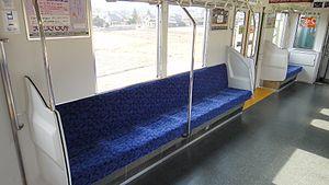 Tobu refurb 10030 seat 20120216.JPG