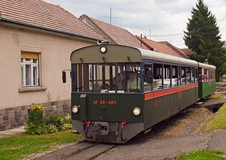 Toby the Tram Engine - Tóbi, the new M 06-401 railcar on the streets of Szokolya village