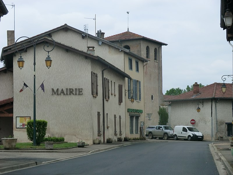 Town hall of Bouligneux.