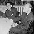 Twee winnaars Hoogovenschaaktoernooi, de twee Russen Kere en Nej, links P Keres, Bestanddeelnr 915-9901.jpg