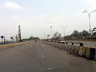 Thane–Belapur Road - Image: U turn bridge Thane Belapur road