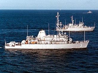 Avenger-class mine countermeasures ship - Image: USS Sentry (MCM 3);11120302