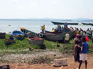 Lake Victoria - Fishers and their boats on the shore of Lake Victoria