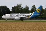 Ukraine International Airlines Boeing 737-500 UR-GAK AMS 2012-8-5.png