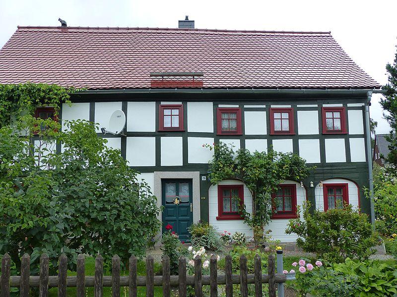 File:Umgebinde Wilhelm-Fröhlich-Weg 23 Bertsdorf (1).jpg