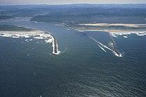 Umpqua River Pacific Ocean.jpg
