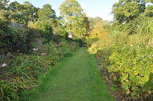 Upton House, Dorset - Upton House gardens