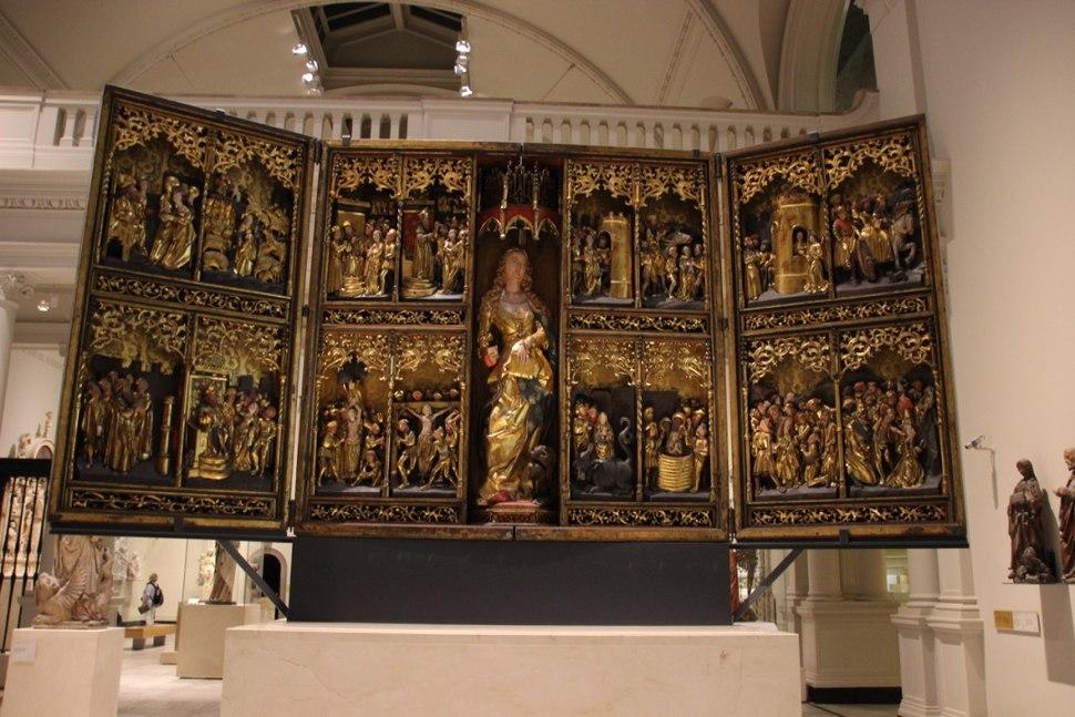 V&A Altar 2