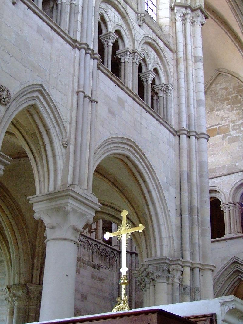 Vézelay - élévation abside.JPG