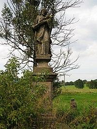 Velké Chvojno, socha svatého Jana Nepomuckého.jpg