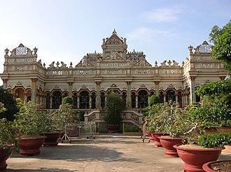 Mỹ Tho - Image: Vinh Trang Pagoda