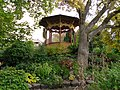Visby DBW trädgård lusthus.JPG