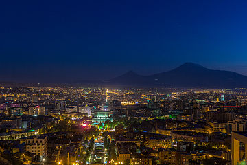 360px-Yerevan_at_night.jpg