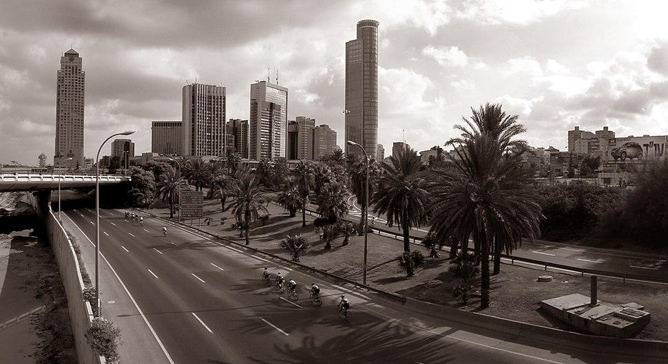 Yom Kippur on Highway 20 Tel-Aviv