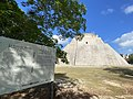 Zona Arqueológica de Uxmal, Yucatan, Mexico - Adivino.jpg