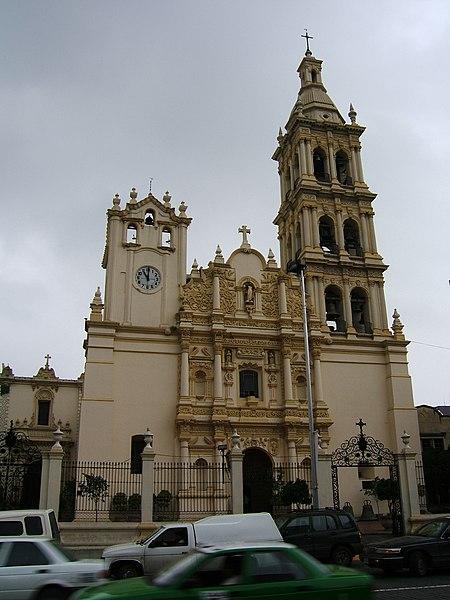 Fichier:Église-Monterrey.JPG