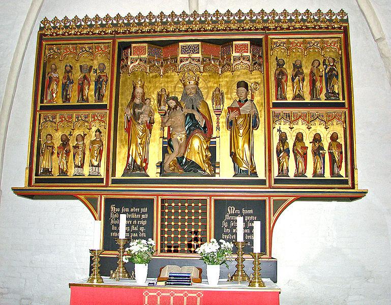 File:Østbirk Kirke Altertavle.jpg