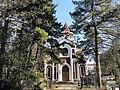 Вид на церковь со стороны кладбища.JPG