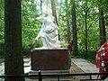 Вид памятника сбоку.jpg