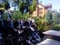 Декоративный водопад возле резиденции в Межигорье.jpg