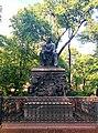Памятник Крылову И. А в Летнем саду.jpg