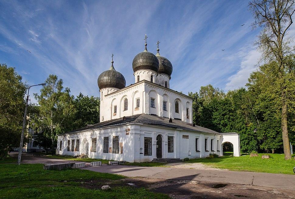 Собор Рождества Пресвятой Богородицы в Антониевом монастыре (1117-1119) в Великом Новгороде