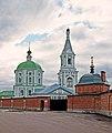 Церковь Екатерининская со стороны входа в монастырь.jpg