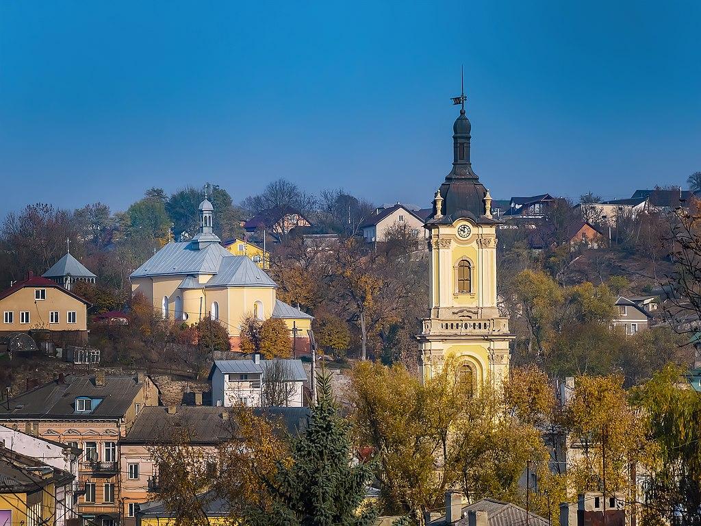 Шпиль ратуші та Церква святого Миколая (Бучач) P1690220