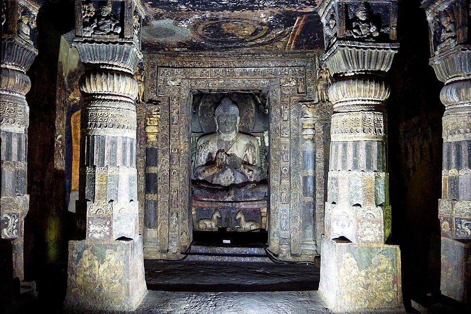 039 Cave 17, Main Shrine and Columns (34167586901)