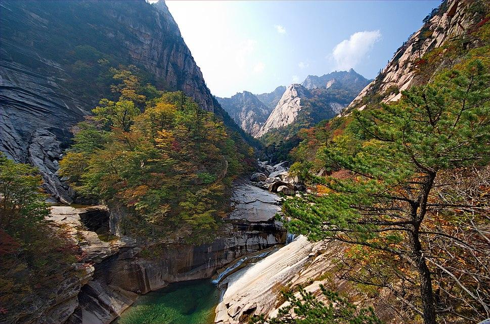 0409 - Nordkorea 2015 - Kumgang Gebirge (22961925095)