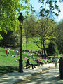 070421 Parc des Buttes Chaumont 003.jpg