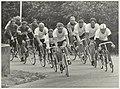 12 uurs wielerwedstrijd op de wielerbaan van recreatiegebied Spaarnwoude. NL-HlmNHA 54006061.JPG