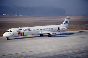 Scandinavian Airlines System Flight 347 - A similar airplane to the Sigun Viking, a McDonnell Douglas MD-82