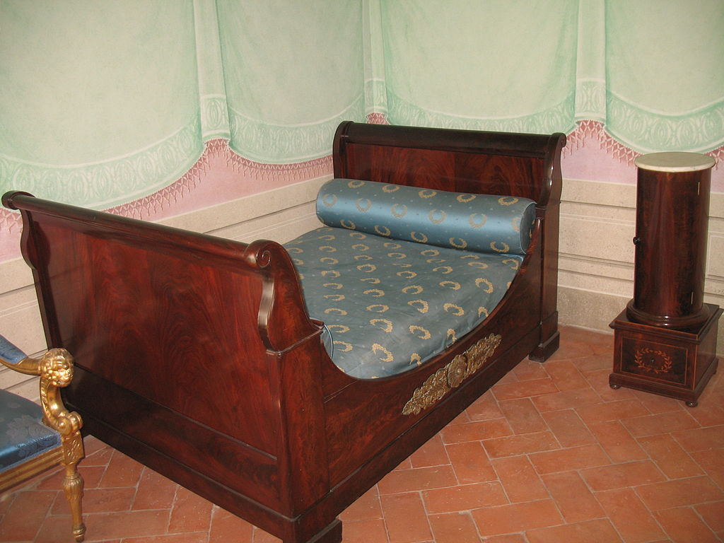 File 17 6 09 villa san martino 23 jpg wikimedia commons - Letto stile impero ...