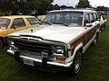 1986 Jeep Grand Wagoneer white-d Mason-Dixon Dragway 2014.jpg