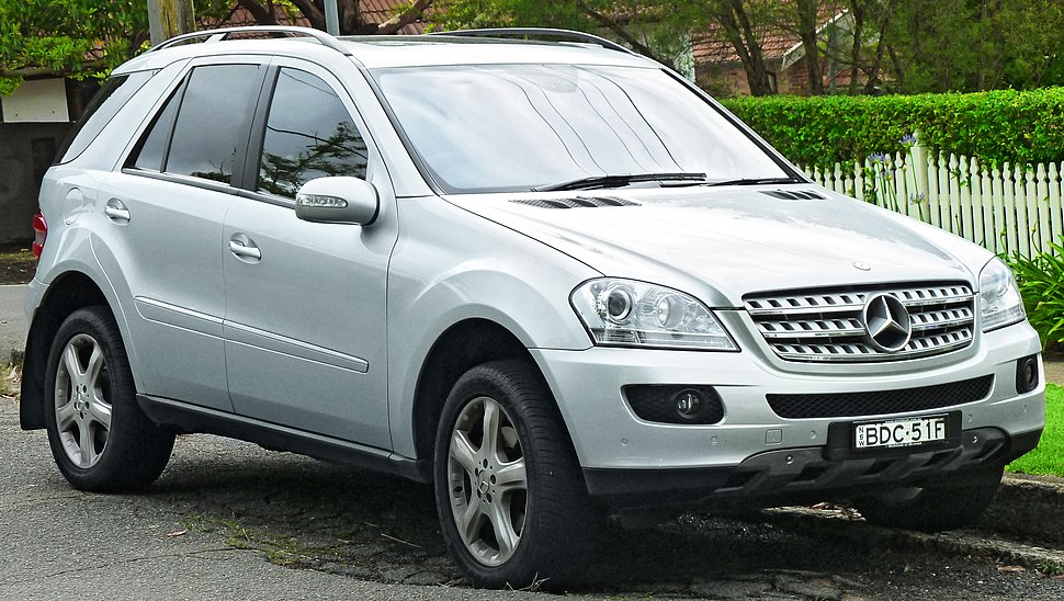 2007 Mercedes-Benz ML 320 CDI (W 164 MY08) Luxury wagon (2011-11-18) 01