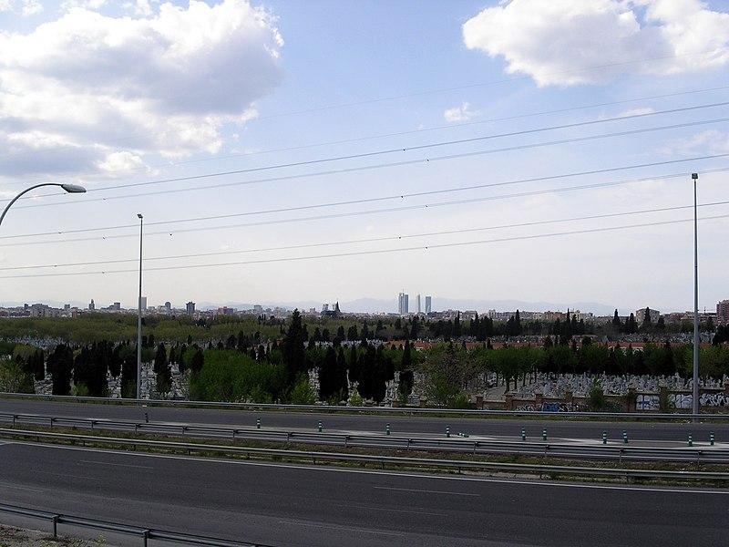 File:2008-04-07 Cementerio de la Almudena con Madrid y las 4 Torres al fondo - panoramio.jpg