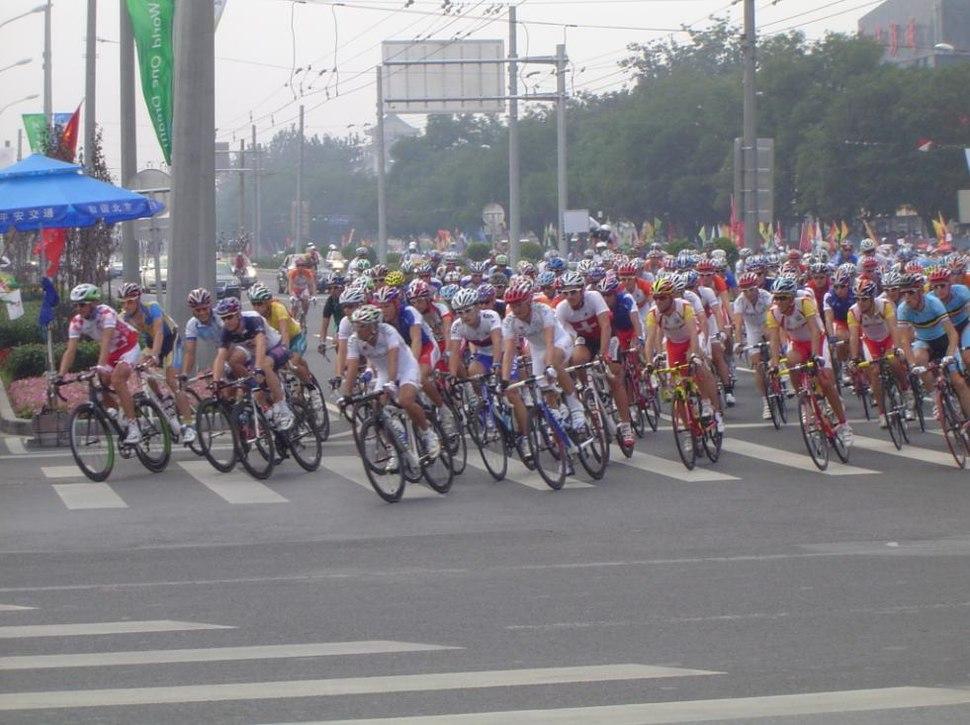 2008 Olympic cycling road race men.JPG
