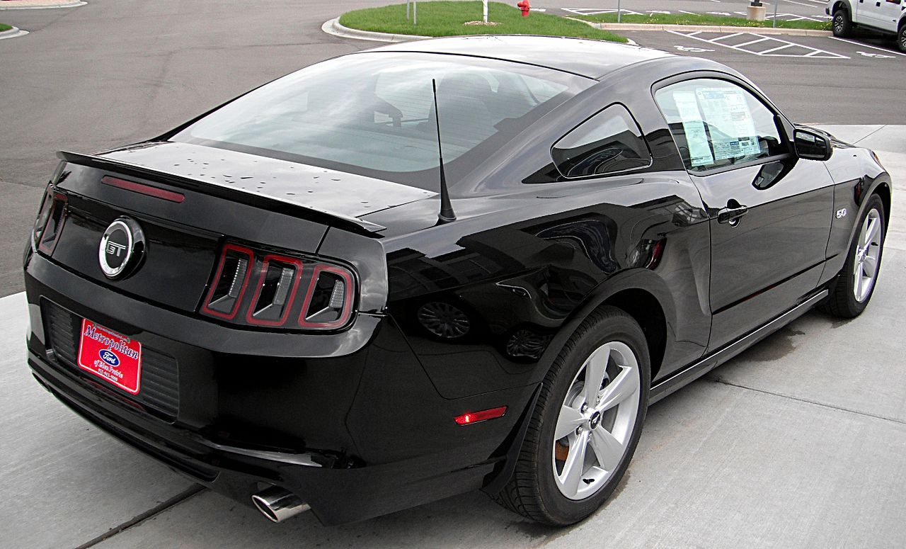 File 2013 Ford Mustang Gt Rear View Jpg Wikipedia