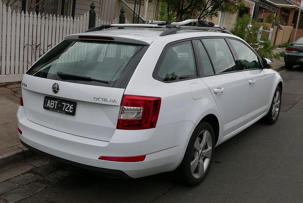 File:2014 Škoda octavia 5e my14 103tsi ambition plus station wagon