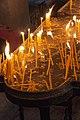2014 Prowincja Armawir, Wagharszapat, Katedra w Eczmiadzynie, Wnętrze, Świece modlitewne.jpg