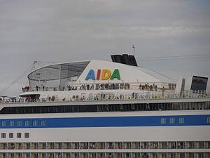 AIDAsol' Funnel Tallinn 6 July 2012.JPG