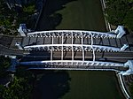 Aerial perspective of Anderson Bridge over the Singapore River.jpg